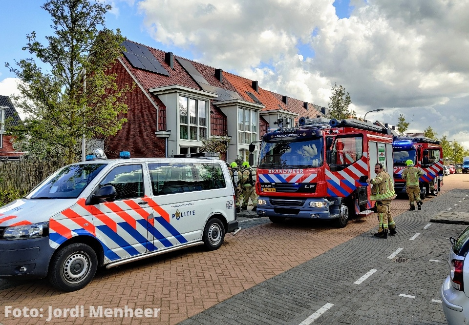 Brandweer met spoed ter plaatse aan de Catharinapolder voor een melding van een schuurbrand