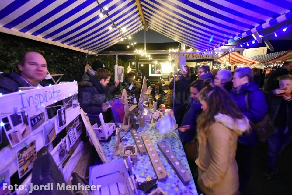 Gezellige kerstmarkt bij De Zorgnijverij aan de Arnhemseweg