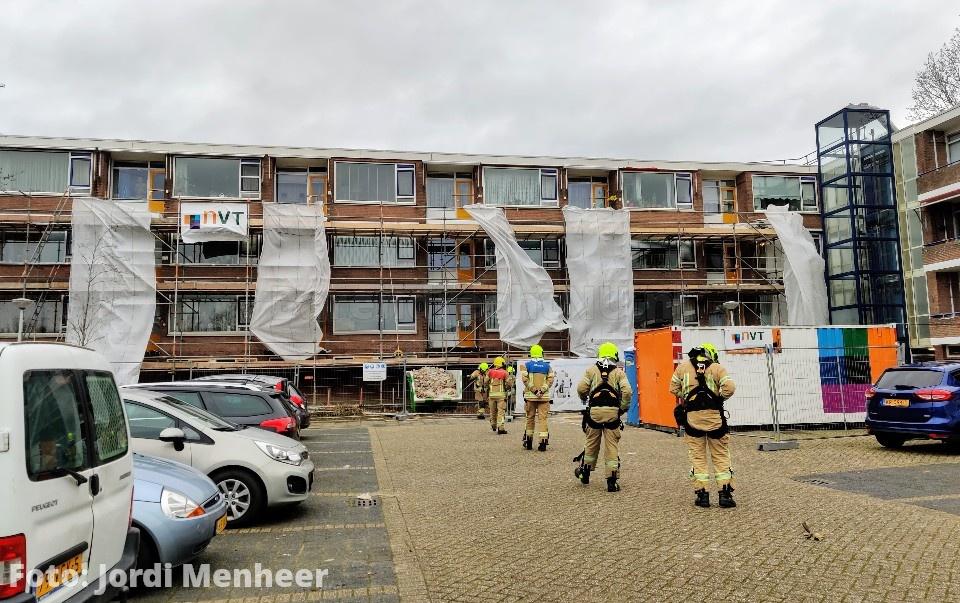 Bouwplaats Lavendelhof: Brandweer heeft een aantal los wapperende doeken weggehaald