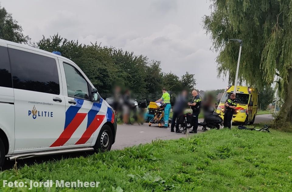 Jongen gewond bij aanrijding scooter/fiets op het Kooiwalpad