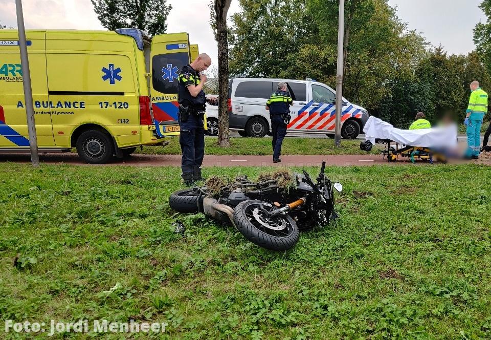 Motorrijder gewond bij ongeval in bocht Sweelincklaan