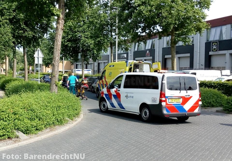 Scooterrijder gewond geraakt bij ongeval op de Tielseweg, politie en ambulance ter plaatse