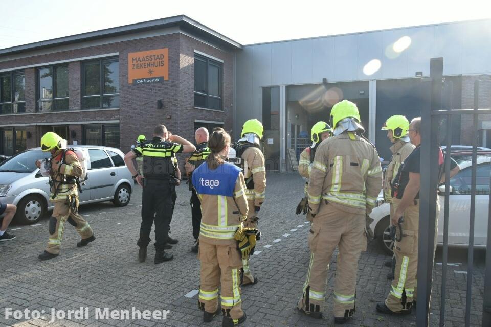 Live: Brand in de oven bij de logistieke afdeling van het Maasstad Ziekenhuis aan de Deventerseweg