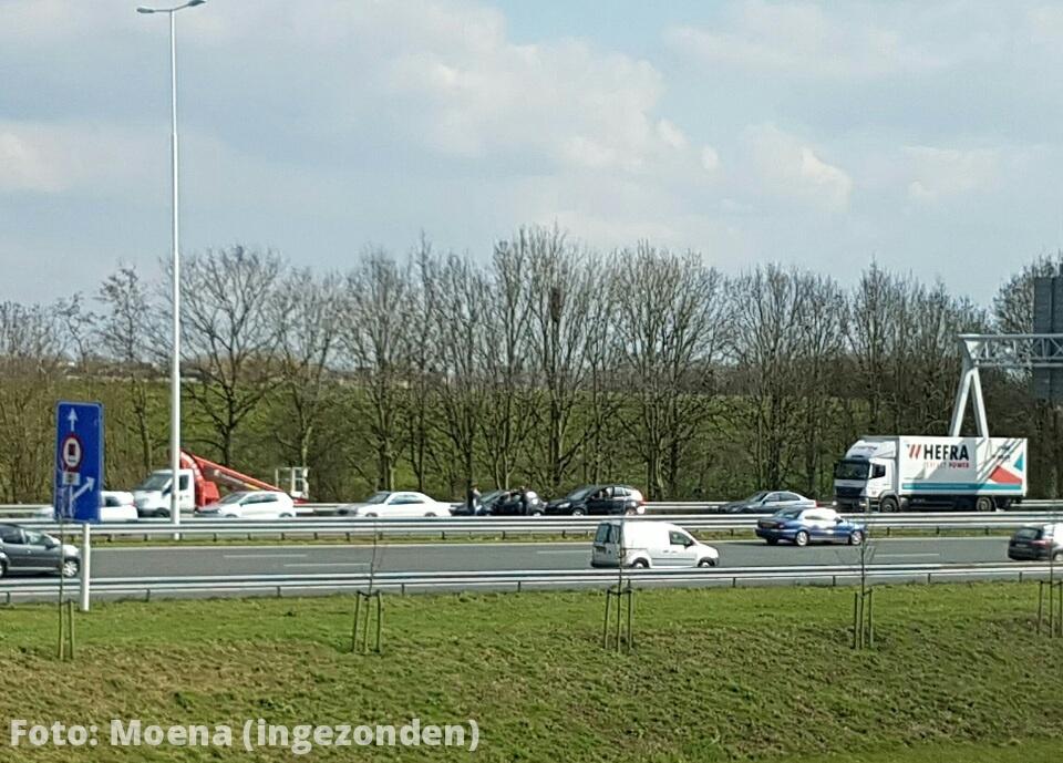 Live: Kettingbotsing op de A29 richting Vaanplein thv de Breslau