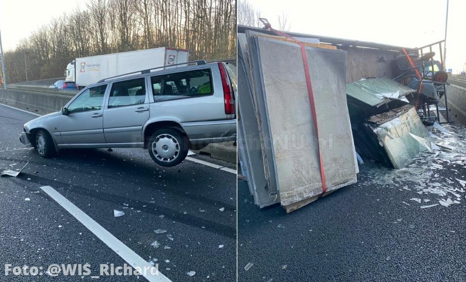 Aanrijding tussen vrachtwagen en auto met aanhanger op de A29 richting Barendrecht