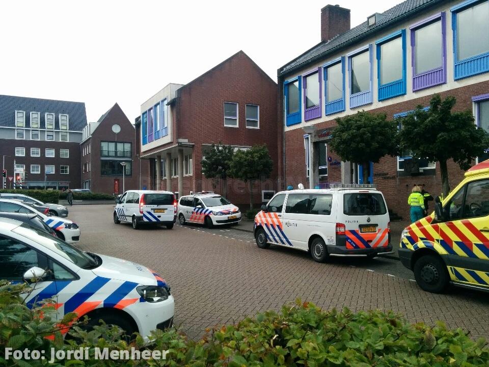 Rijnstraat Edudelta College: Vijf politiewagens en ambulance ter plaatse