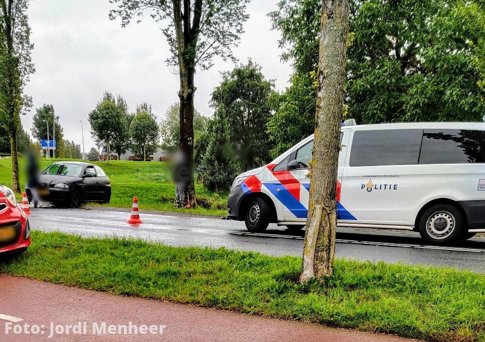Ongeval thv de S-bocht van de Sweelincklaan, politie ter plaatse