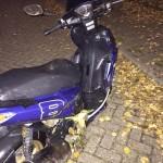 Gestolen scooter gedumpt in de sloot