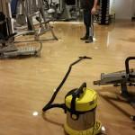 Aad van Loon Sport onder water; sportschool vandaag gesloten