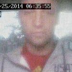 Man pint met pas van overleden man, politie: Wie is deze onbekende pinner?