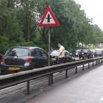 Auto's licht beschadigd bij aanrijding Dierensteinweg in Barendrecht