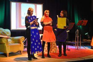 Archieffoto van een theatervoorstelling voor kinderen bij CultuurLocaal
