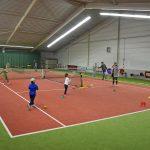 Balletje slaan tijdens Open dag van Tennisvereniging Barendrecht