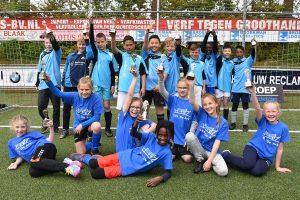 De Ark en Vrijenburg winnaars van scholenvoetbaltoernooi op de Bongerd