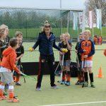 Tophocksters geven clinic aan jeugd van Hockeyclub Barendrecht