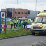 Wielrenner ernstig gewond bij aanrijding met auto op de Dudokdreef