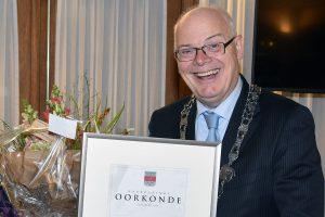 De heer Schaap ontvangt Waarderingsspeld voor jarenlange inzet bij BVV Barendrecht