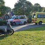 Scooterrijder gewond bij aanrijding met bestelbus op de Middeldijk
