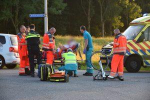 Wielrenner gewond bij aanrijding met auto op de Achterzeedijk