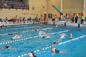 Bijna 150 deelnemers starten aan Barendrechtse Zwem4Daagse