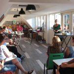 Eerste avond van Café GEZIeN bij De Zorgnijverij een succes