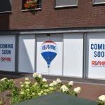 RE/MAX verhuist naar voormalig winkelpand Hiemstra Sport aan de Dorpsstraat