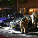 Brand achter dashboard van auto aan de Van der Meulenstraat