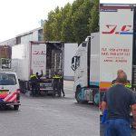 Gebonk uit vrachtwagen: 6 verstopte personen en chauffeur aangehouden op de Veilingweg
