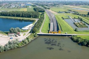 Luchtfoto Heinenoordtunnel, Barendrecht (Foto: Rijkswaterstaat)