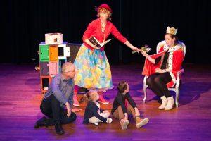 Woensdag 1 nov: Kindervoorstelling (4-8 jaar) de Speelfabriek met Tante T in De Baerne
