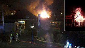 VIDEO: Vlammenzee bij OBS de Tweemaster aan de Schoener, één persoon aangehouden