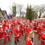 Santa Run deelnemers wandelen en rennen €7.500 bij elkaar voor Hospice de Reiziger