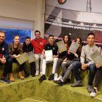 Certificaat uitreiking aan acht 'Heroes of the Cruyff Court'