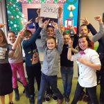 Leerlingen van Plusklas de Raket halen met kerstconcert €250 op voor Roparunteam