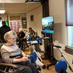 Opening van nieuwe fysiotherapieruimte in Borgstede: Bewoners fietsen door digitale wereld