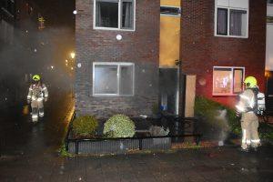 Woning aan de Beukenwede vol zwarte rook door keukenbrand