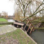Net nieuwe wandelbruggetje aan de Schoener zal worden hersteld na stormschade