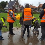 """Schoonmaakactie door kleuters CBS Smitshoek en Humanitas: """"Jong geleerd is oud gedaan"""""""