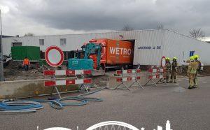 Groot gaslek aan het Oosteinde: Aannemer trekt gasleiding kapot
