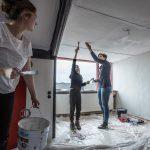 Ertoe dóén tijdens Veranderdag: 150 vrijwilligers met 31 project aan de slag om plaatsgenoten een handje te helpen