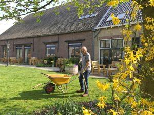 Hospice de Reiziger zoekt vrijwilligers voor hulp bij tuinieren