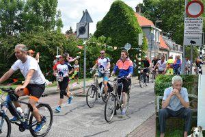 """Familie zet Roparun traditie van overleden Nico Molenaar (73) door aan de Dorpsstraat: """"Nog éénmaal erbij zijn"""""""