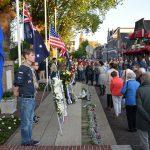 """Dodenherdenking bij het monument aan het Doormanplein: """"Samen, met elkaar, leven we elke dag in vrijheid"""""""