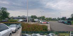 Controle door politie en Belastingdienst aan de Dierensteinweg: 11 auto's in beslag genomen