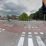 14-jarige fietser aangereden op rotonde 2e Barendrechtseweg: Auto gecheckt, jongen laten staan