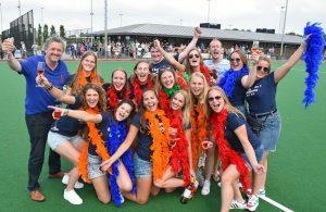 Dames 1 van Hockeyclub Barendrecht kampioen na 8-0 winst: Promotie naar 2e klasse