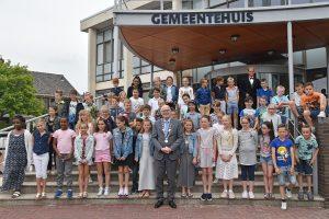 Kinderen op de thee bij burgemeester van Belzen (2018)