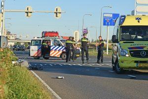 Politie zoekt getuigen van aanrijding tussen bromfiets en bestelbusje op de Kilweg