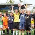 Finales 2e Zomeravond Voetbal Toernooi bij VV Smitshoek in Barendrecht