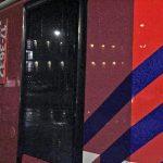Vuurwerk naar brandweer Barendrecht gegooid in Rotterdam, voertuig licht beschadigd